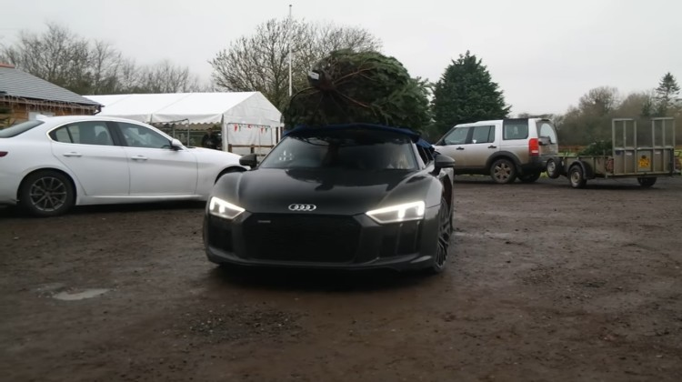 ChristmasTree_AudiR8V10Plus